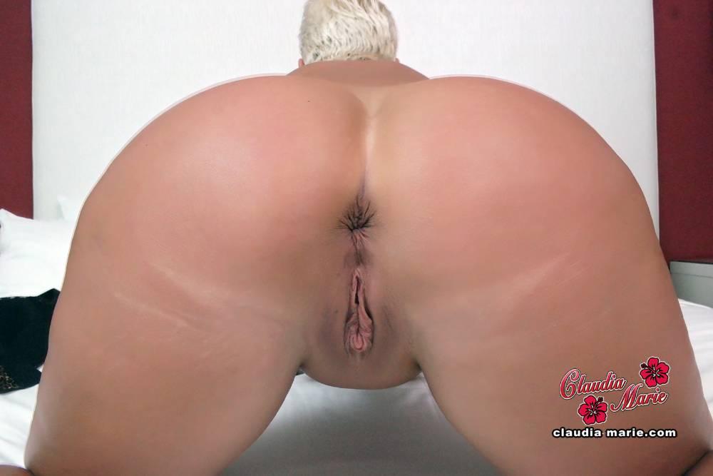 Big ass and titty porn