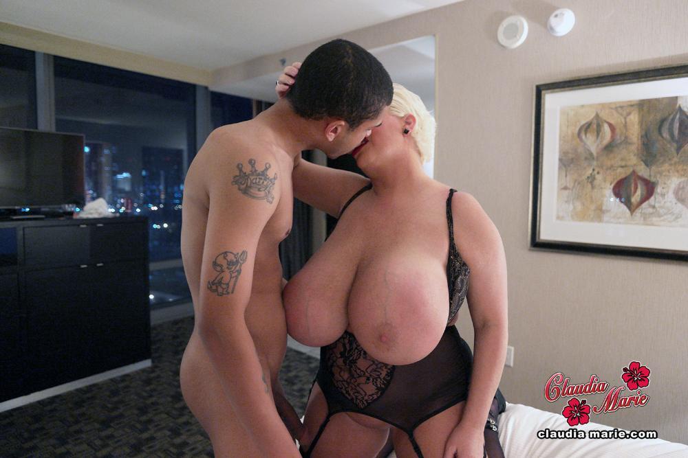 Video Midget Rabbit Orgasm