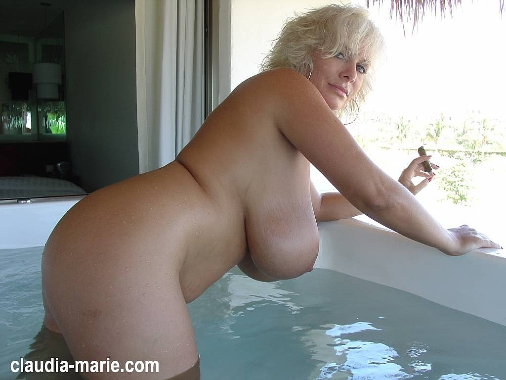 Mexican Hot Tub - Claudia Marie Huge Tits And Big Ass: https://claudiamarie.com/tour/updates/mexican-hot-tub.html