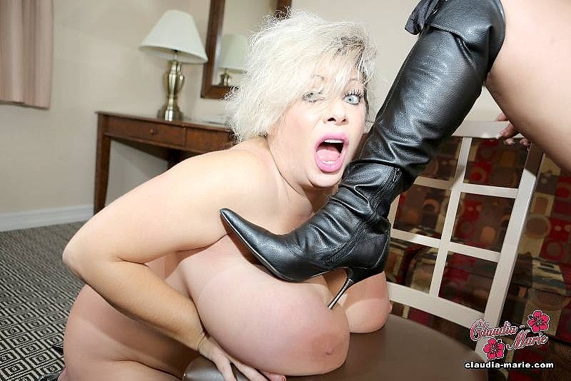 Kate upton naked giant tits